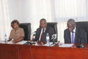 (Mme Valentine SAMA à gauche, M. Edjéou Essohanam au milieu, M. Fall Mboulé Ibrahim à droite)